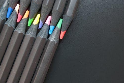 Immagine gratuita di articoli di cancelleria, matite, nero, noir