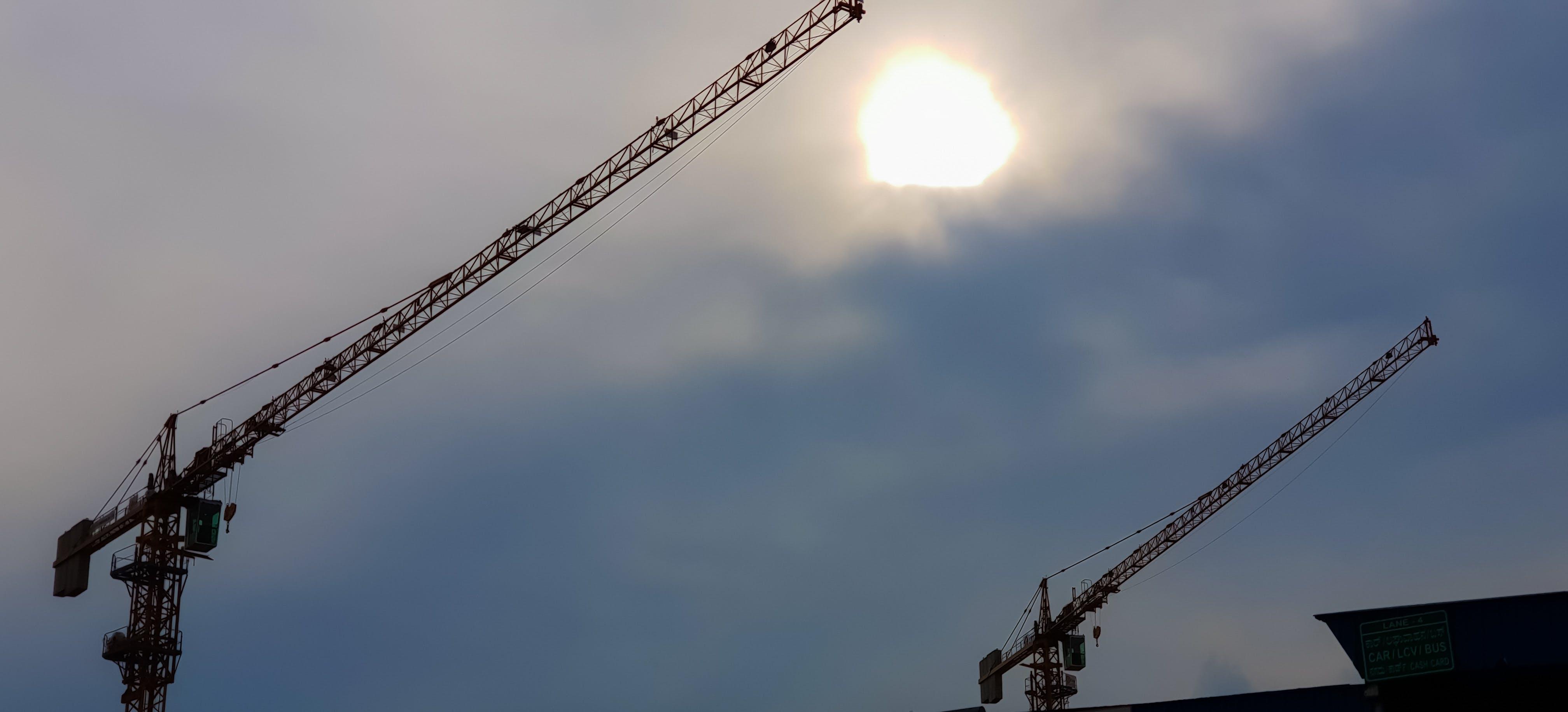 Gratis lagerfoto af aftensol, gylden sol, industriområde, sky