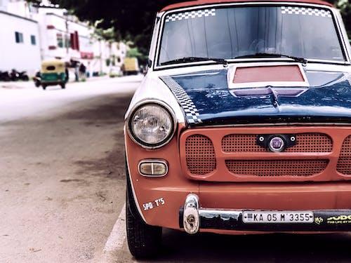 Foto profissional grátis de carro antigo, carro de rua, carro retrô, coleção retrô
