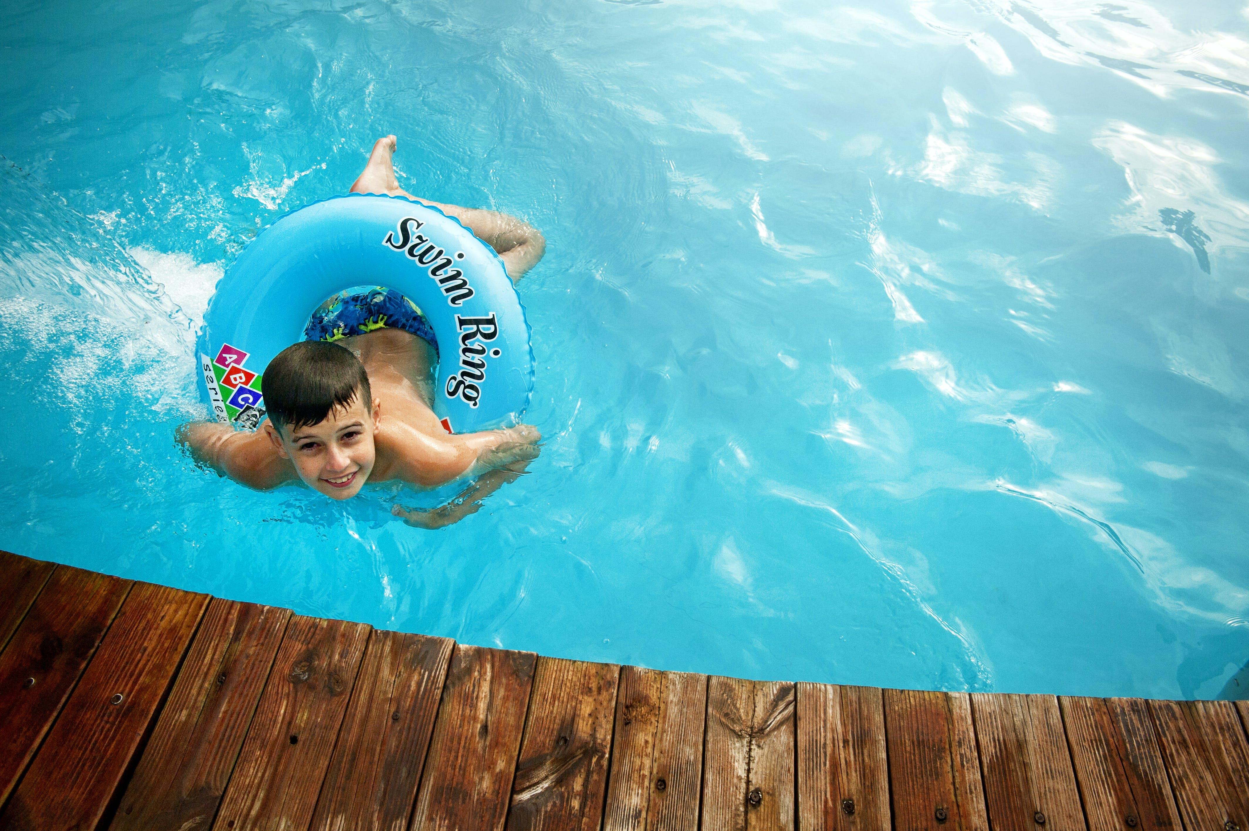 Kostnadsfri bild av barn, blått vatten, h2O, leende