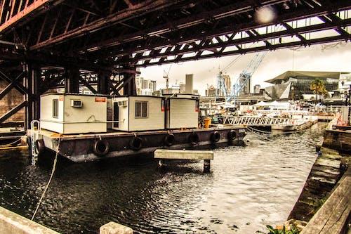 คลังภาพถ่ายฟรี ของ กลางวัน, ตู้สินค้า, น้ำ, สะพาน