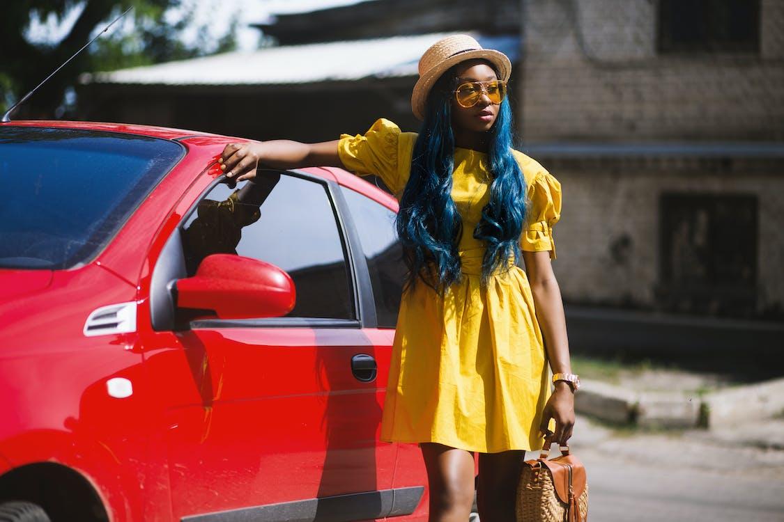 автомобіль, афро-американська жінка, барвистий