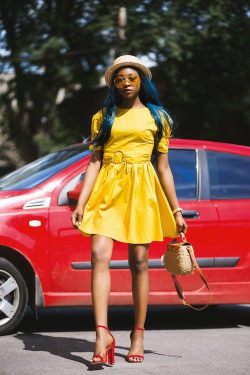 Imagine de stoc gratuită din automobil, blogger, coafură, colorat