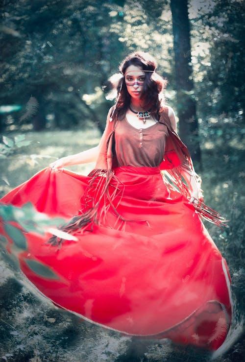 Základová fotografie zdarma na téma červená, holka, šaman
