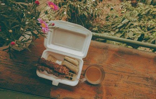 ahşap, Barbekü, Çiçekler, domuz eti içeren Ücretsiz stok fotoğraf