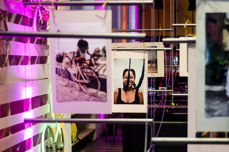 Kostenloses Stock Foto zu bar, beleuchtung, bestände, bilder