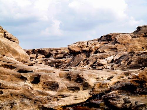 Darmowe zdjęcie z galerii z cichy, dzień, formacja geologiczna, formacja skalna