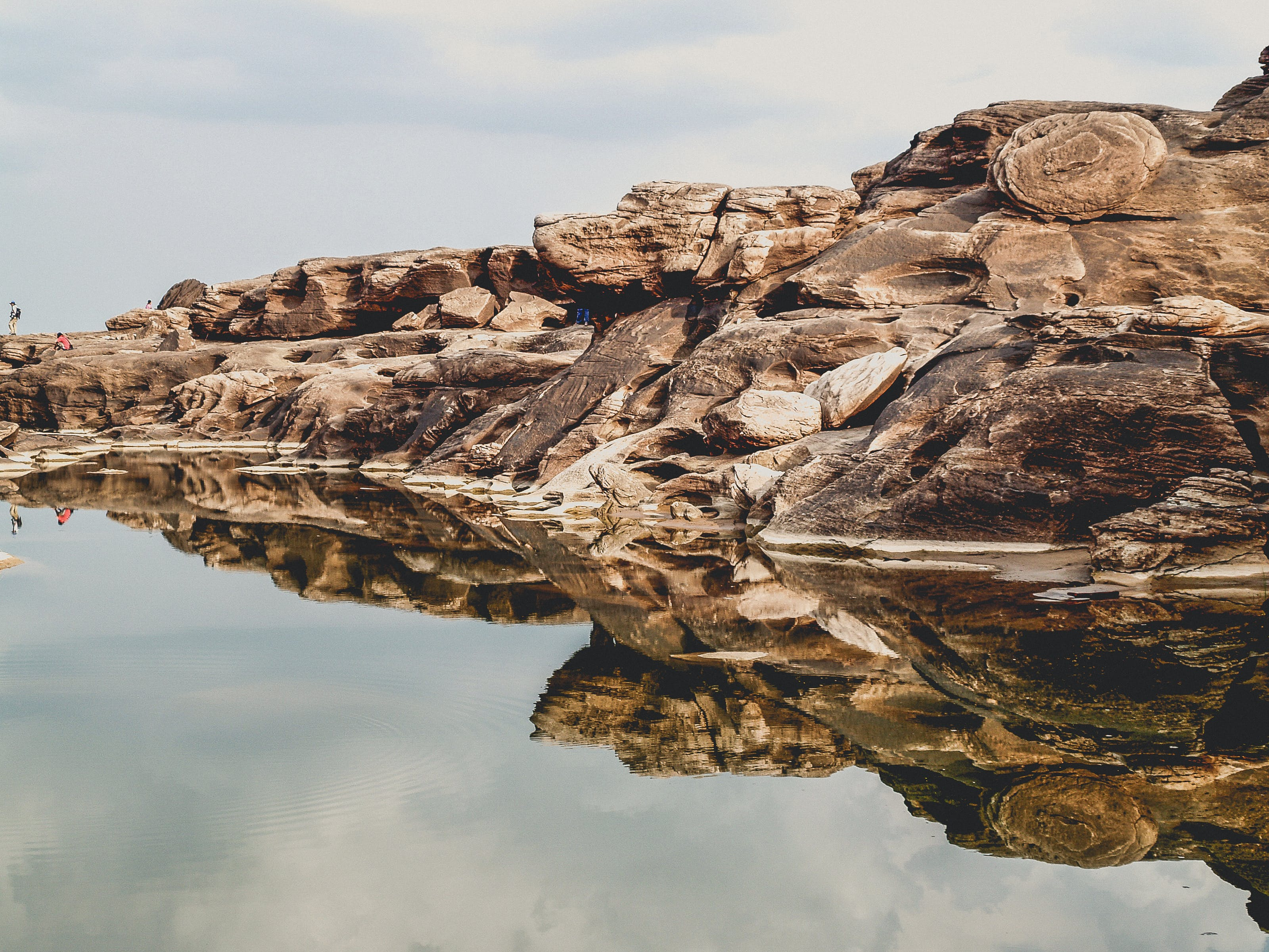 Shallow Focus Photography of Brown Island