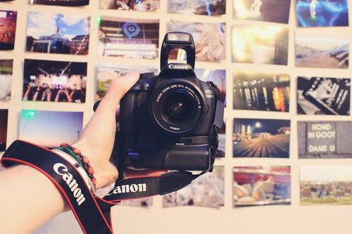 Kostenloses Stock Foto zu hand, kamera