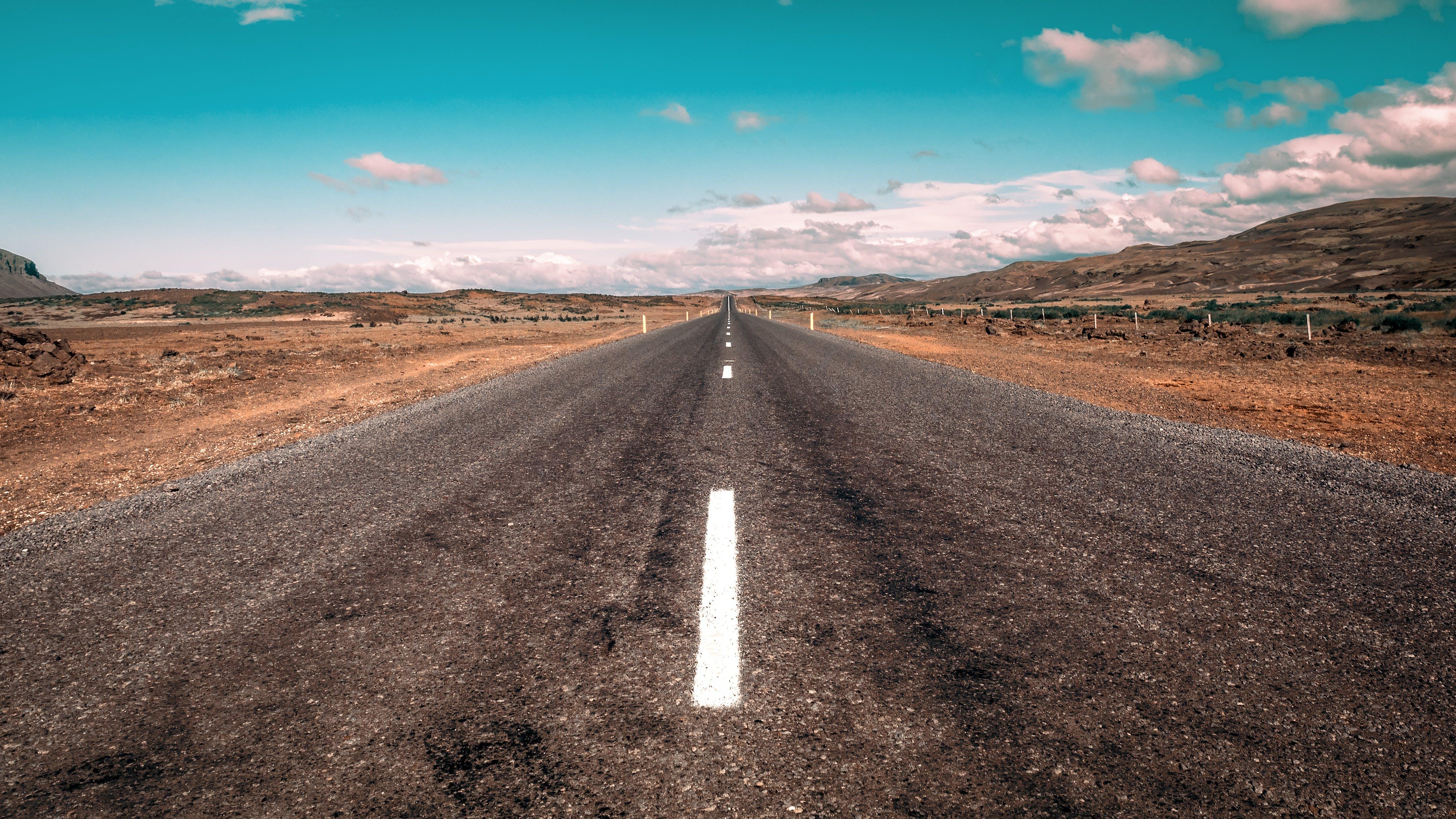 Kostnadsfri bild av asfalt, bergen, dagtid, distans
