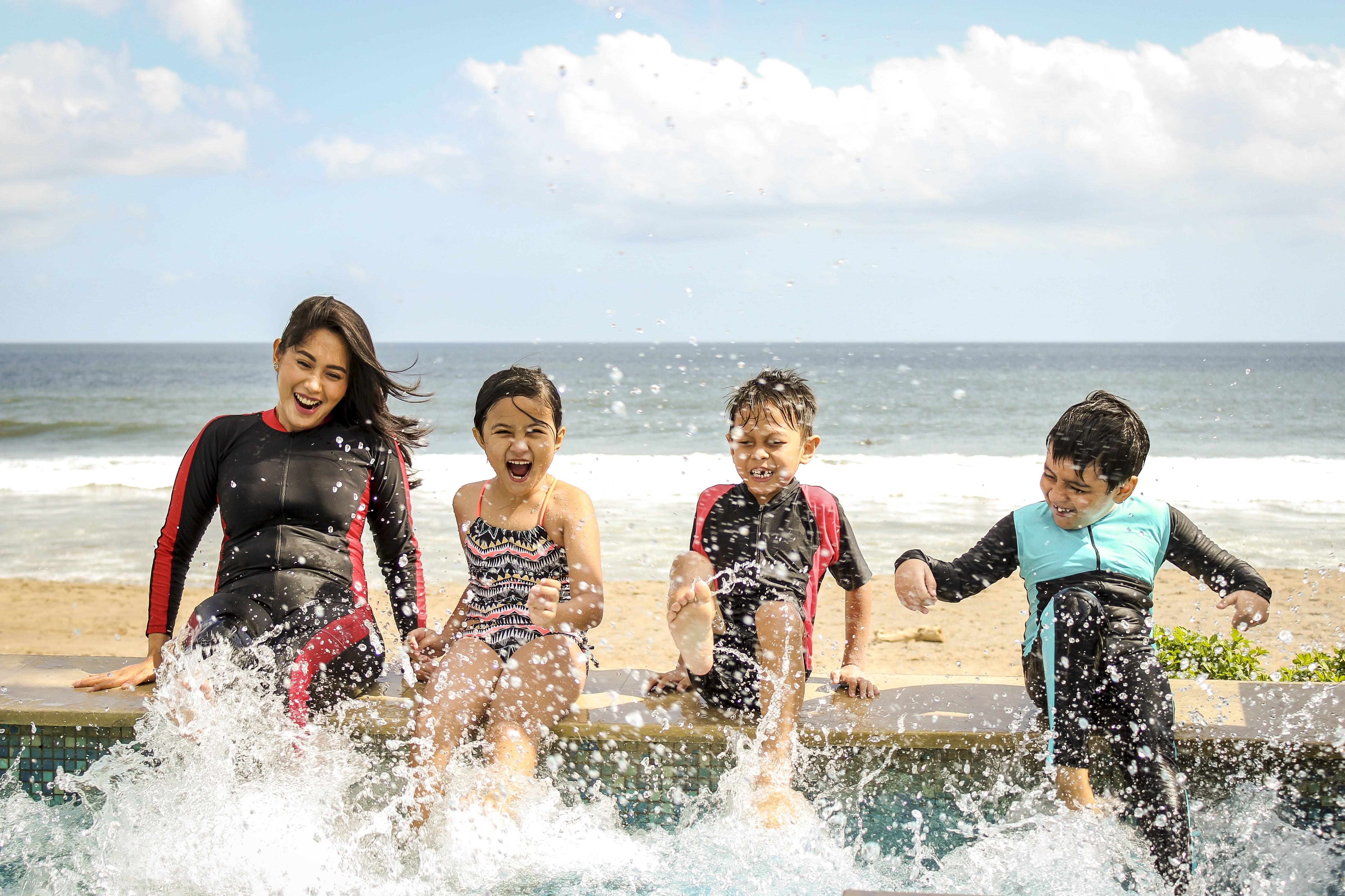Photos gratuites de amusement, bord de mer, eau, enfants