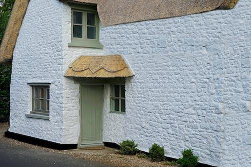 Ảnh lưu trữ miễn phí về làng, nhà tranh, nước Anh, trắng