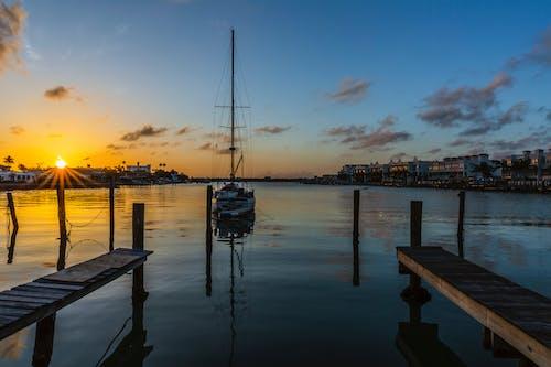 Бесплатное стоковое фото с восход, залив, парусник
