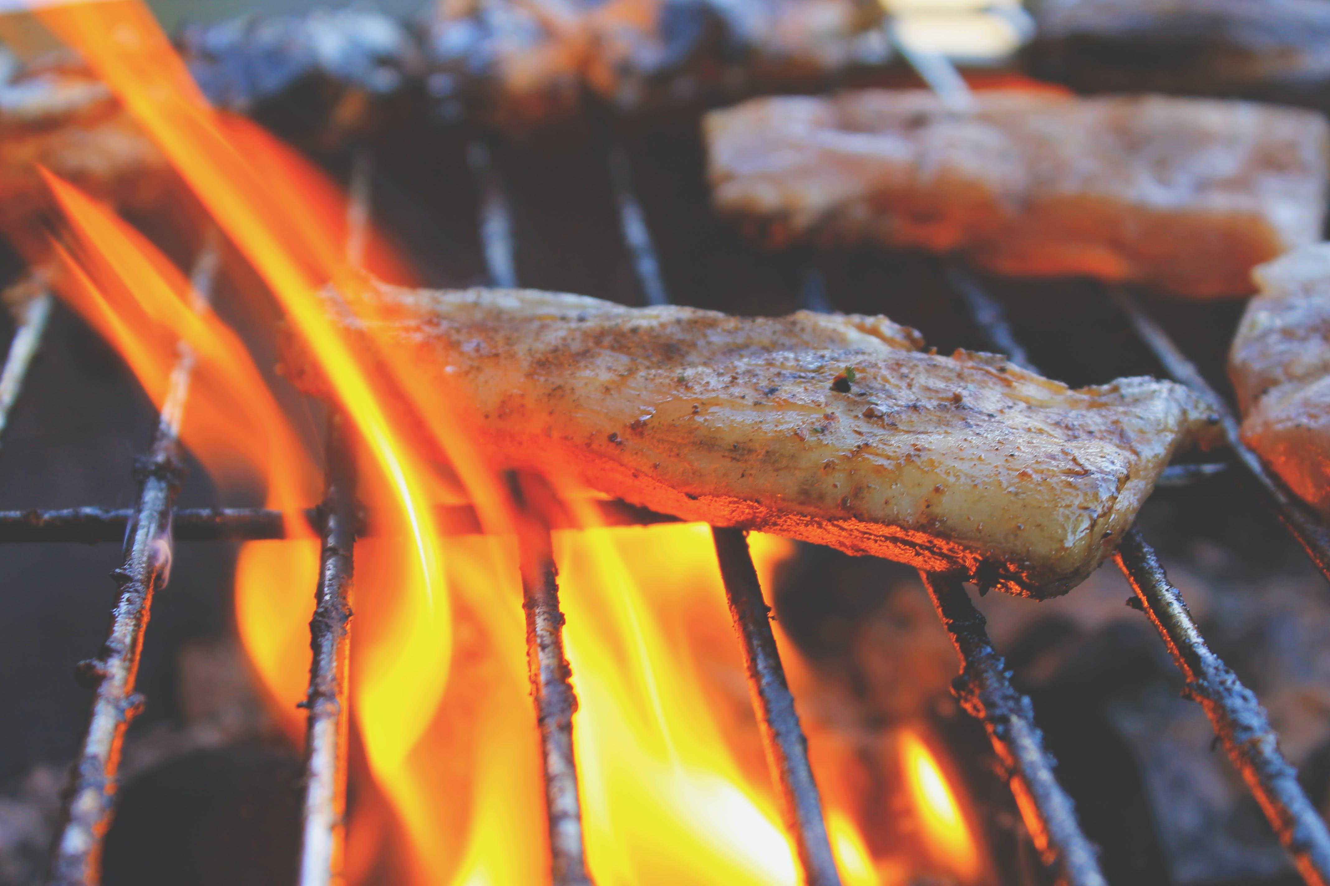 Kostenloses Stock Foto zu bbq, feuer, fleisch, grill