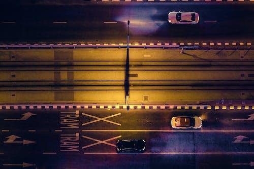 Imagine de stoc gratuită din autostradă, autoturisme, drumuri, faruri auto