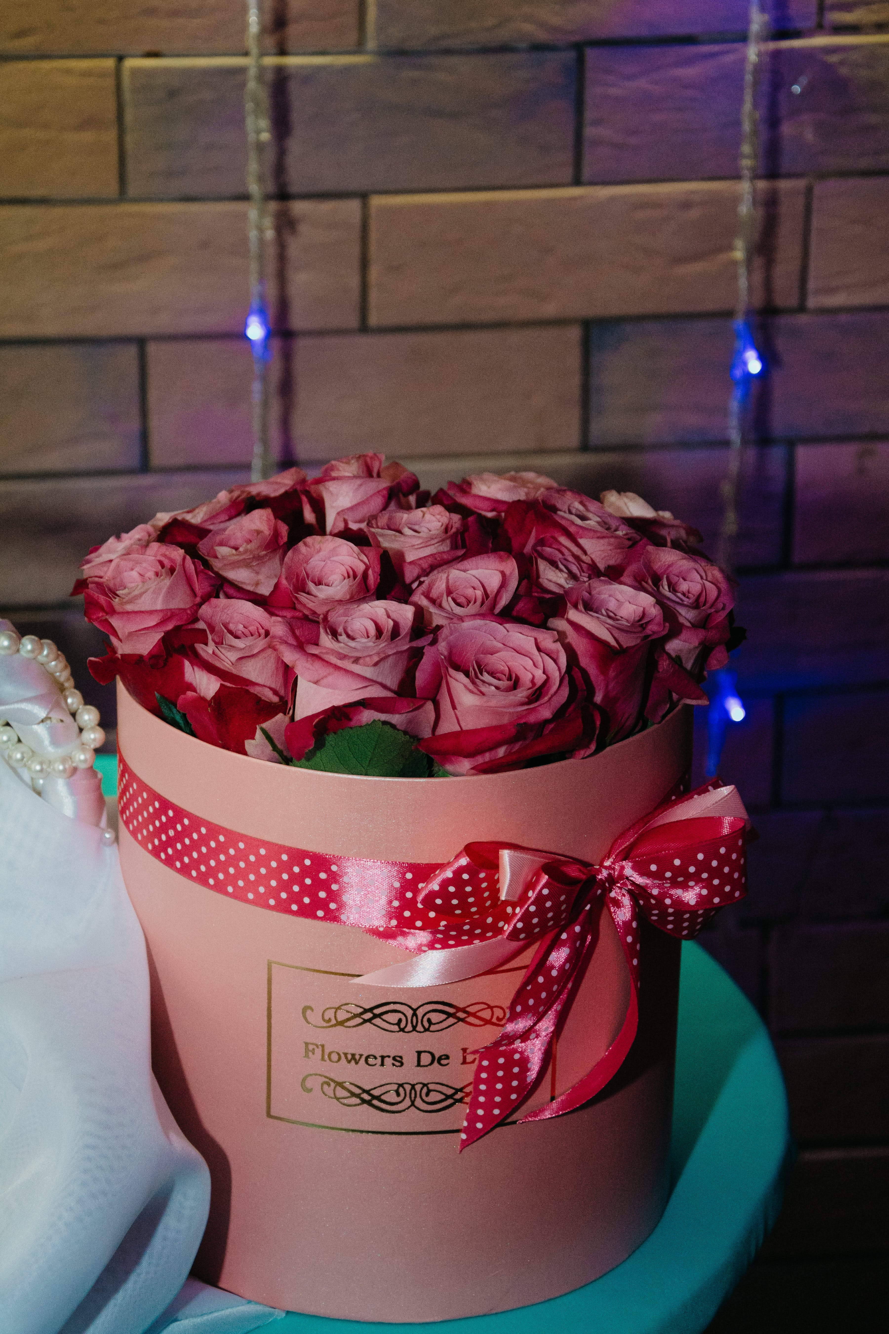 Bouquet of Pink Roses on Round Pink Box