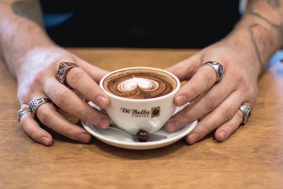 barista, cappuccino, drinnen
