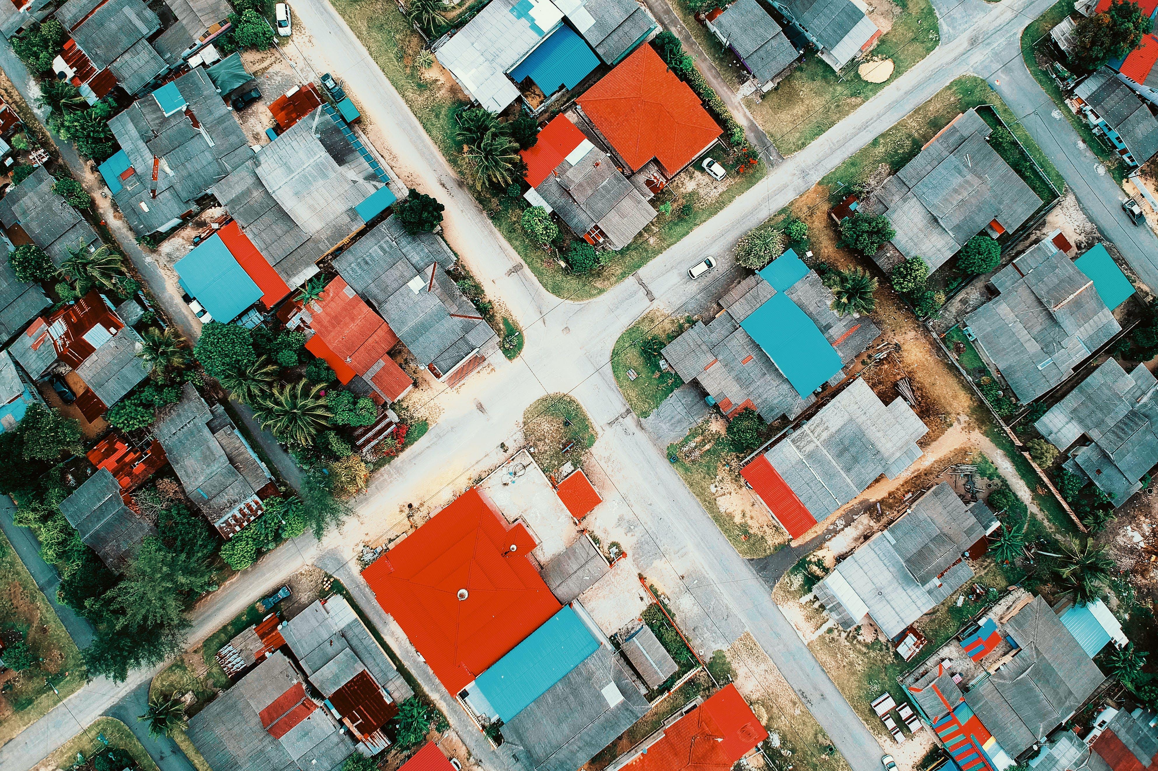 交通系統, 日光, 村莊, 樹木 的 免费素材照片