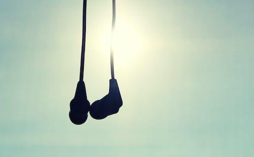 Foto d'estoc gratuïta de auriculars, música