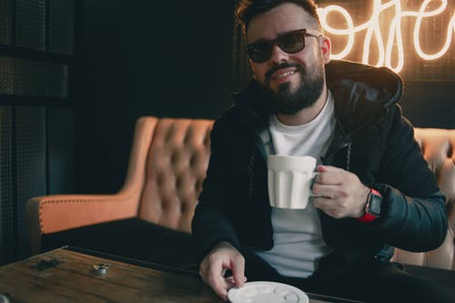 人, 咖啡, 咖啡廳, 坐 的 免费素材照片
