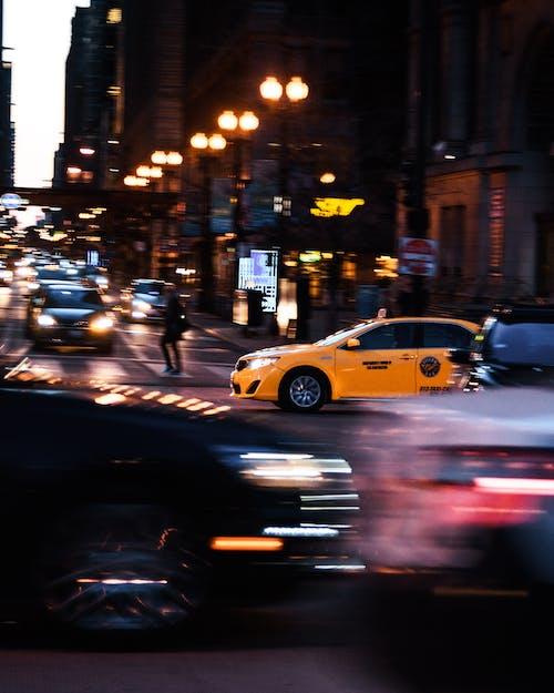 交通, 交通系統, 城市, 晚間 的 免費圖庫相片