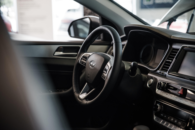 Black Hyundai Car Steering Wheel