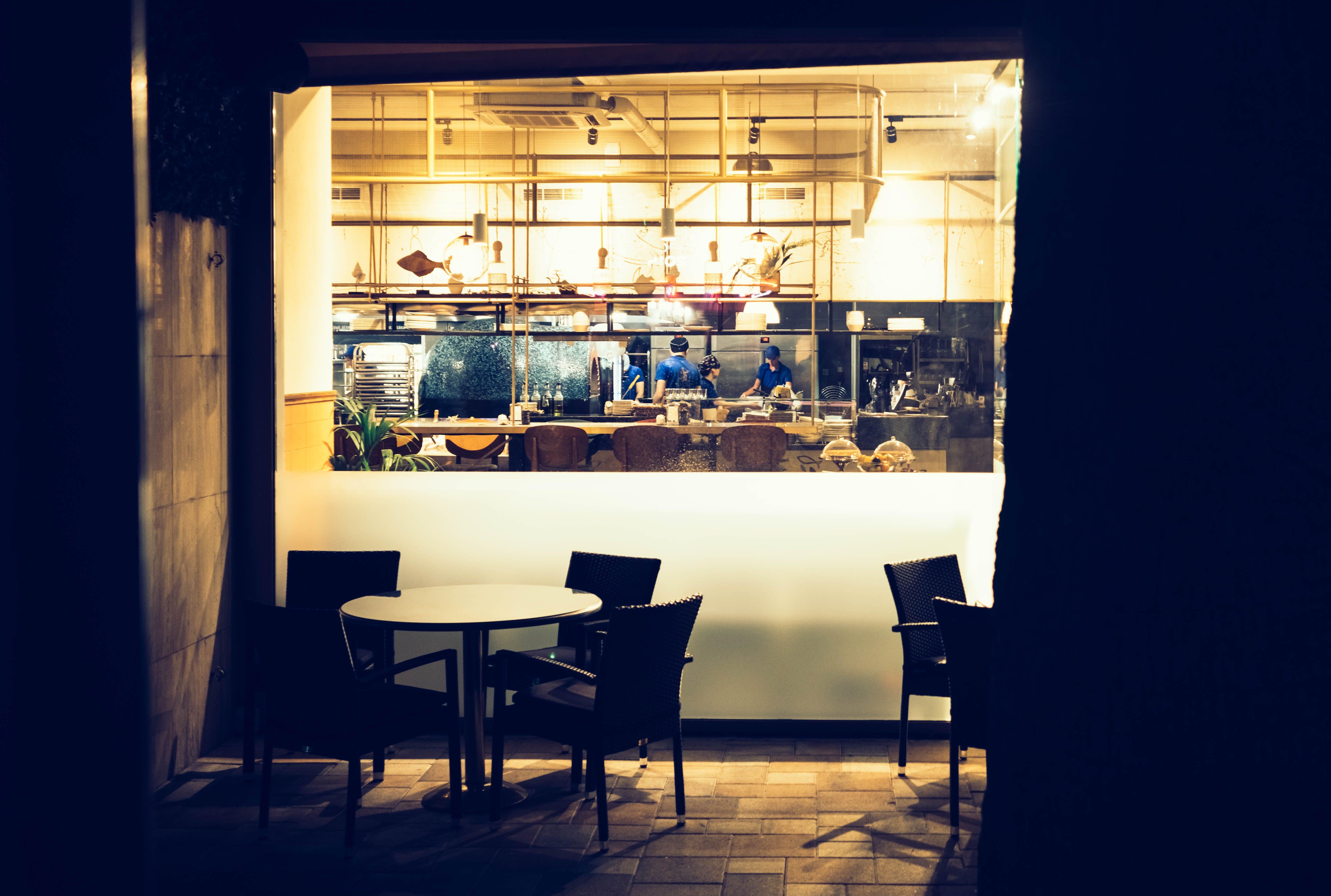 Kostenloses Stock Foto zu restaurant, menschen, beleuchtung, café