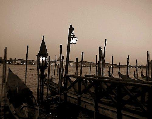 Gratis arkivbilde med gondoler, italia, venezia