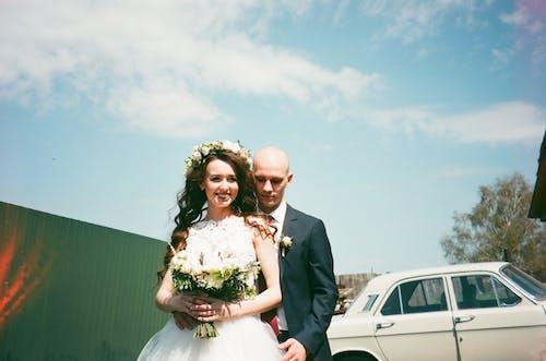 ウェディングドレス, おとこ, カップル, スマイルの無料の写真素材