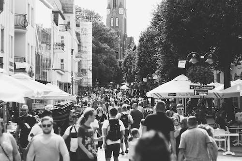 シティ, 人, 日常の人々, 白黒の無料の写真素材