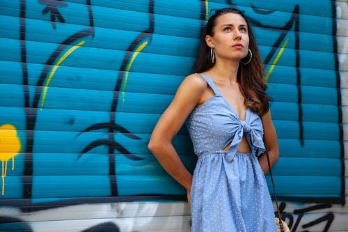 Fotobanka sbezplatnými fotkami na tému bruneta, dlhé vlasy, lak, ľudia