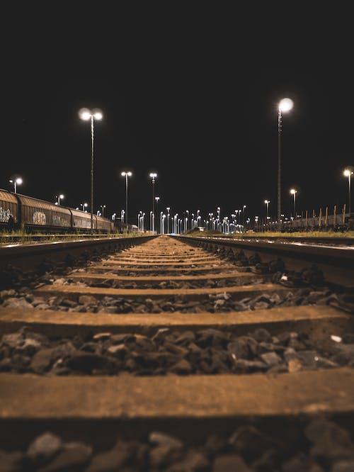 Foto stok gratis cahaya, kereta, malam, melatih