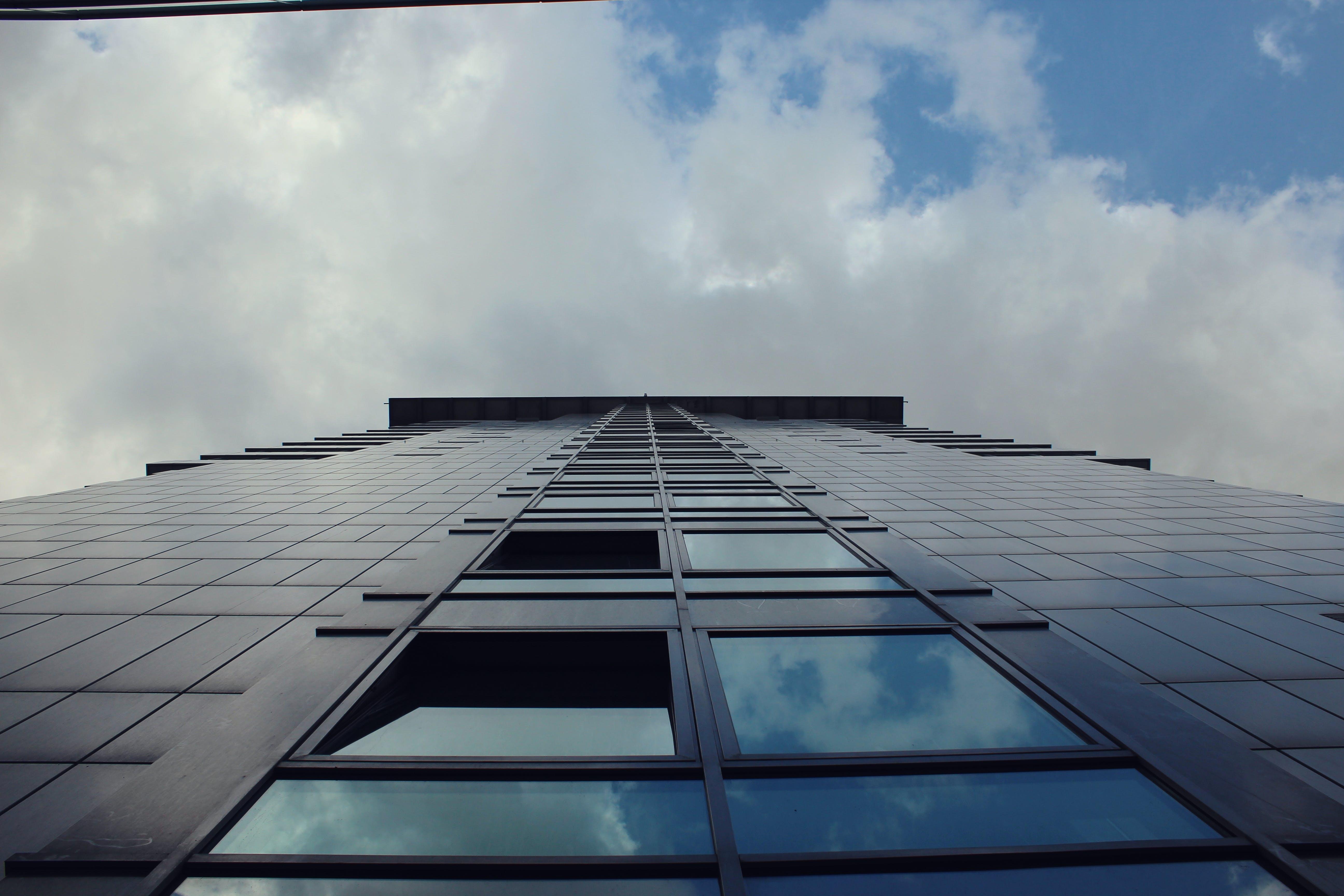 Kostenloses Stock Foto zu blau, blaue himmel, glasscheiben, hellblau