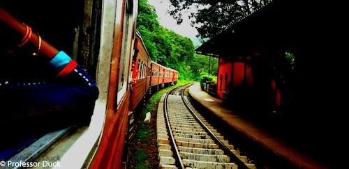 Ilmainen kuvapankkikuva tunnisteilla junarata, kantaa, kiskot