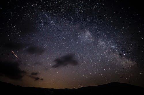Kostenloses Stock Foto zu astronomie, dunkel, komet, nacht
