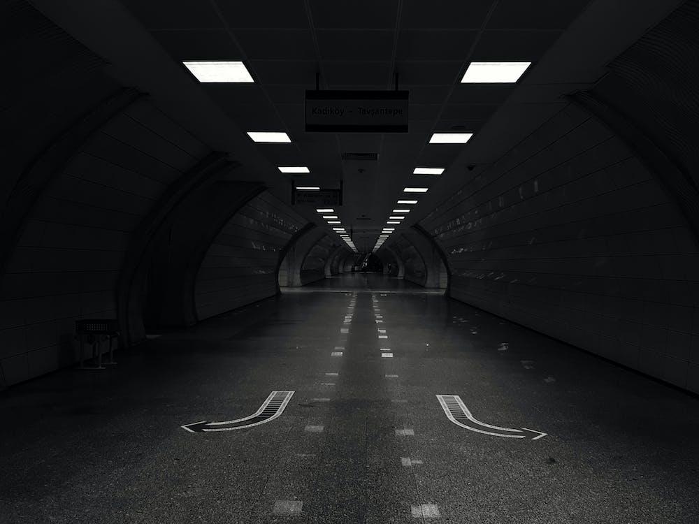 Photos gratuites de citadin, échelle des gris, lumières