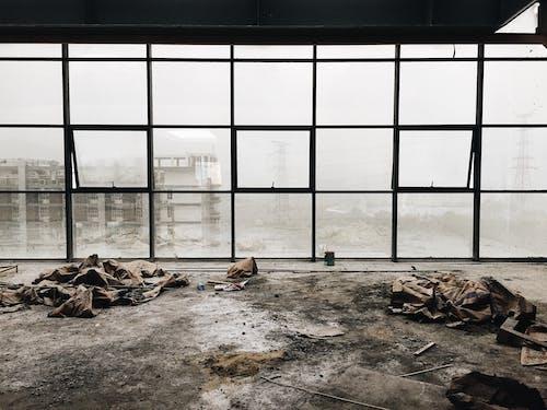 Základová fotografie zdarma na téma kancelářská budova, odpadky, práce, prach