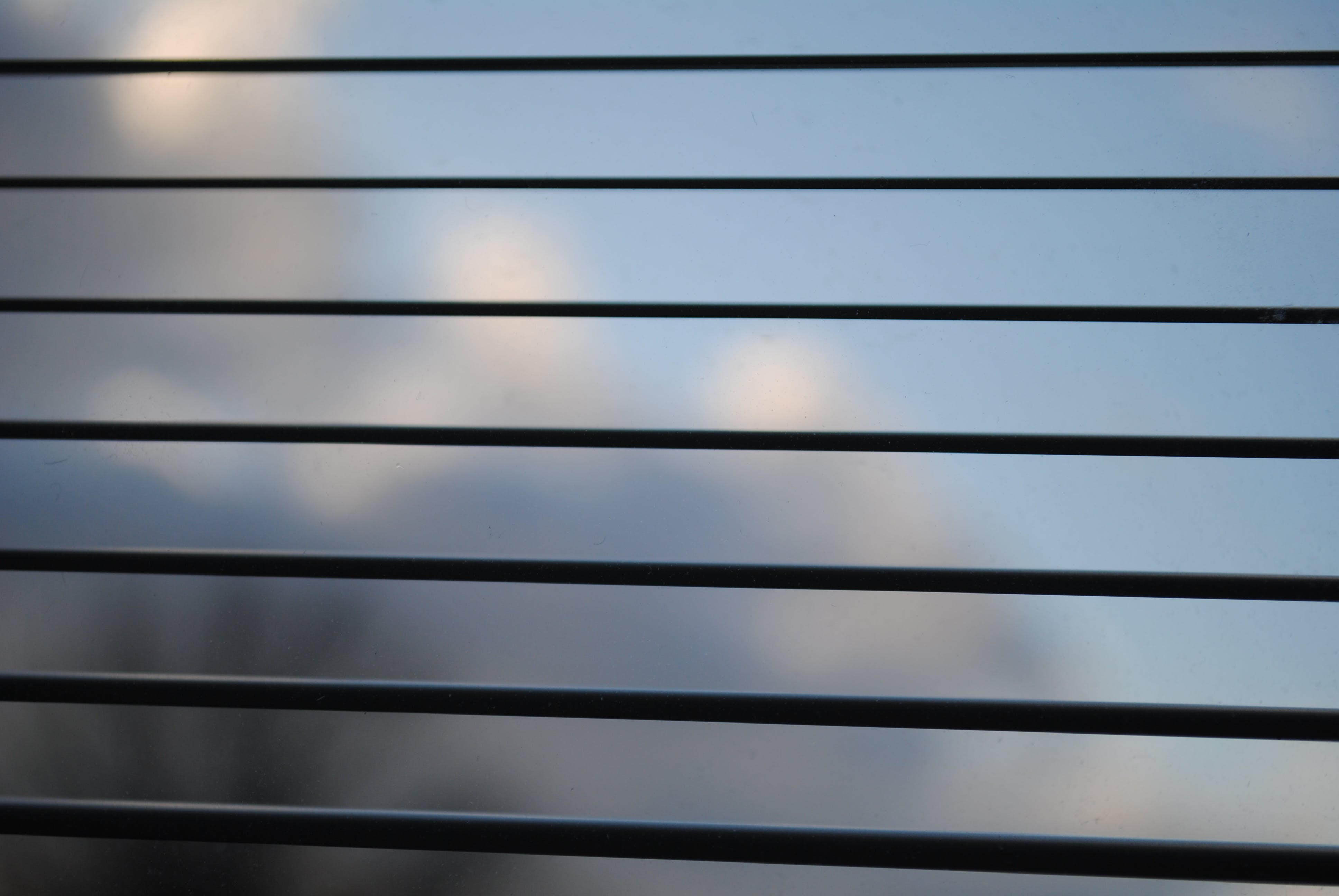 Kostenloses Stock Foto zu fensterrollos, glasfenster, himmel