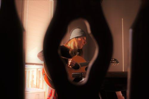 Free stock photo of beanie, singing