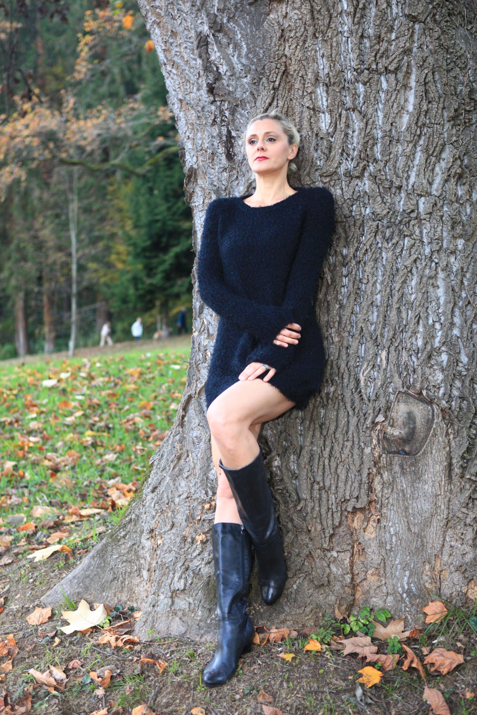 Free stock photo of autumn, bare legs, black dress, blackboots