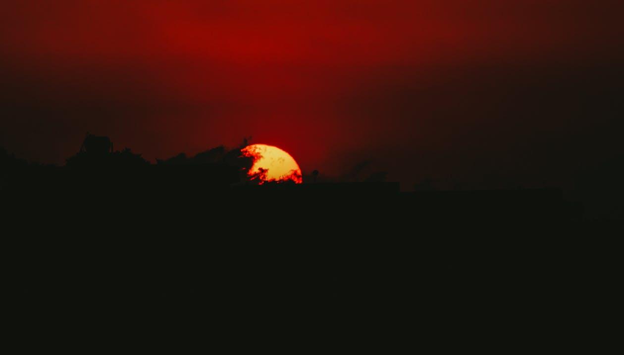 з підсвіткою, Захід сонця, мальовничий