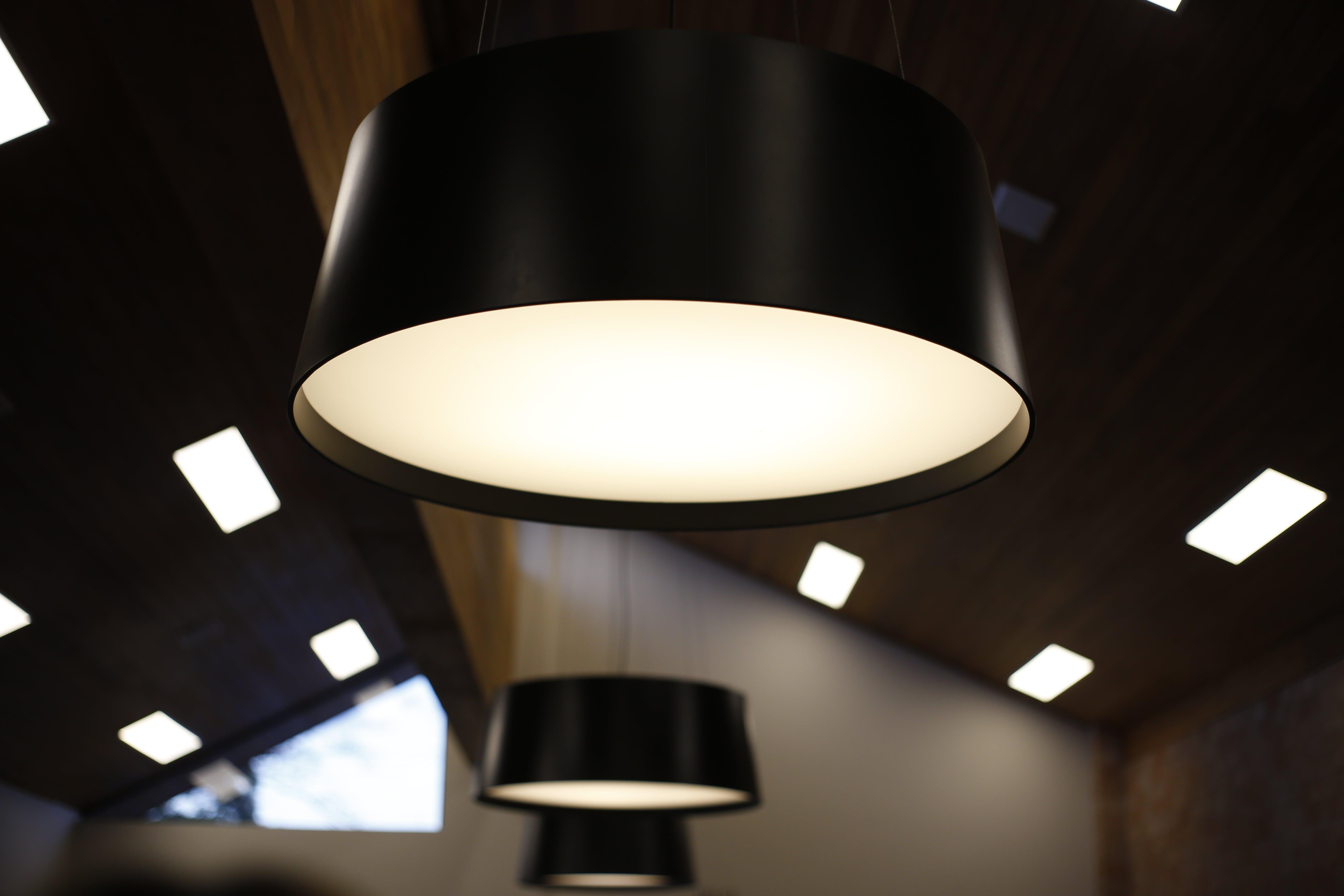 Ilmainen kuvapankkikuva tunnisteilla kattovalot, lamput, moderni, nykyaikainen