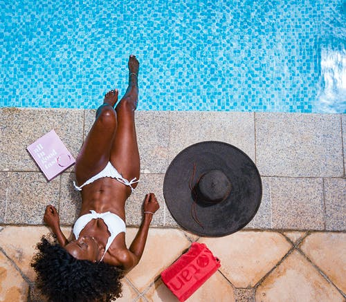 Безкоштовне стокове фото на тему «басейн, Дівчина, дозвілля, жінка»