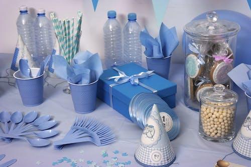 Foto stok gratis bersih, biru, botol, dalam ruangan