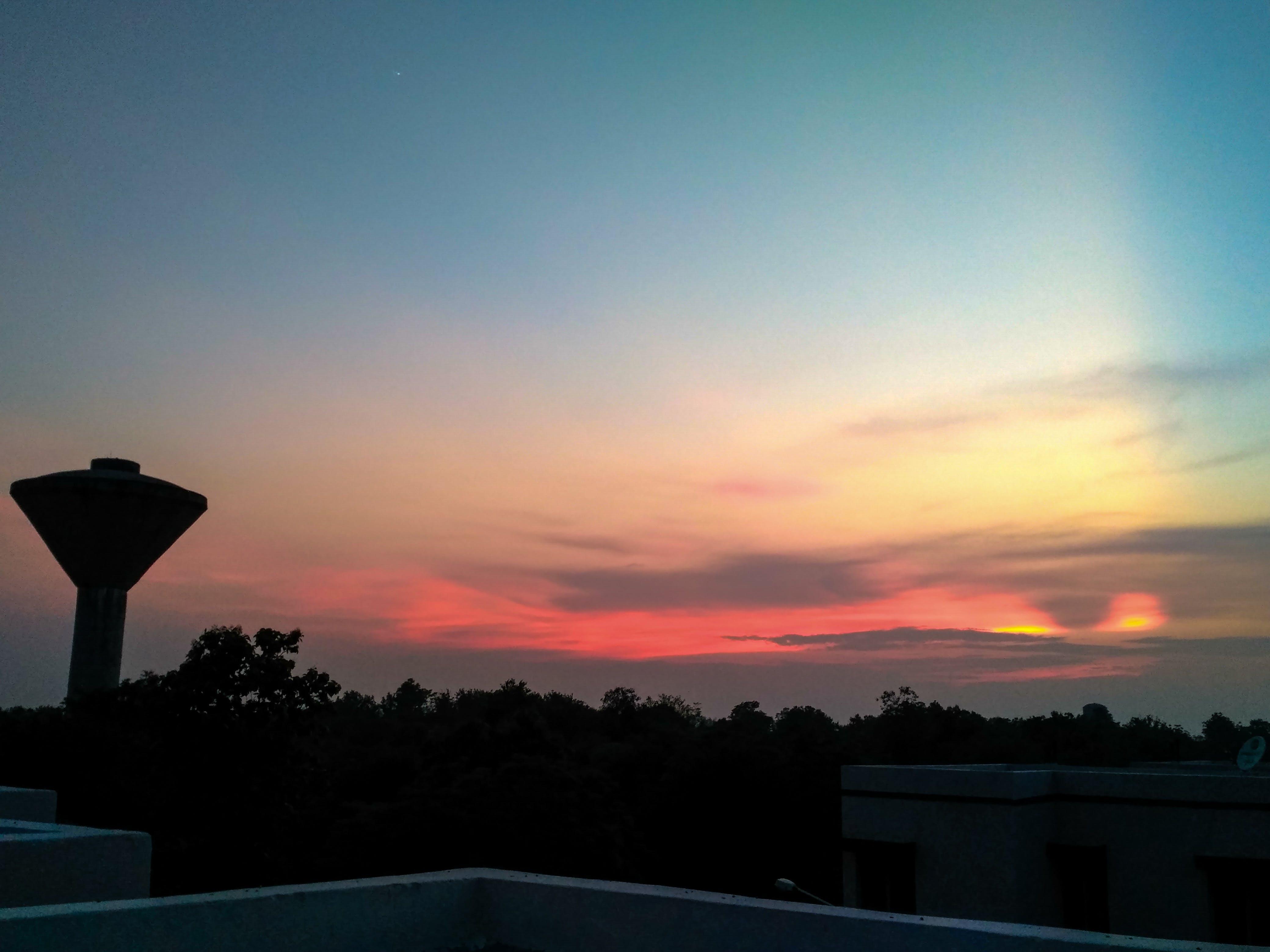 #sunset #sun #light #sky #wallpaper #water #tank