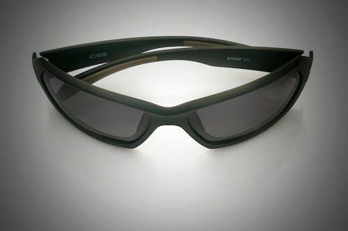 Fotobanka sbezplatnými fotkami na tému odtieň, okuliare akontaktné šošovky, smartfón