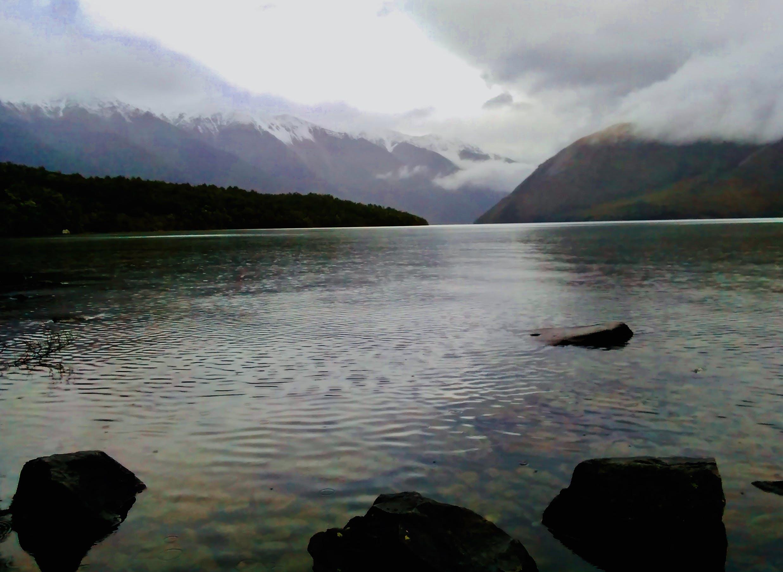 Безкоштовне стокове фото на тему «гори, камені, сніг, хмари»
