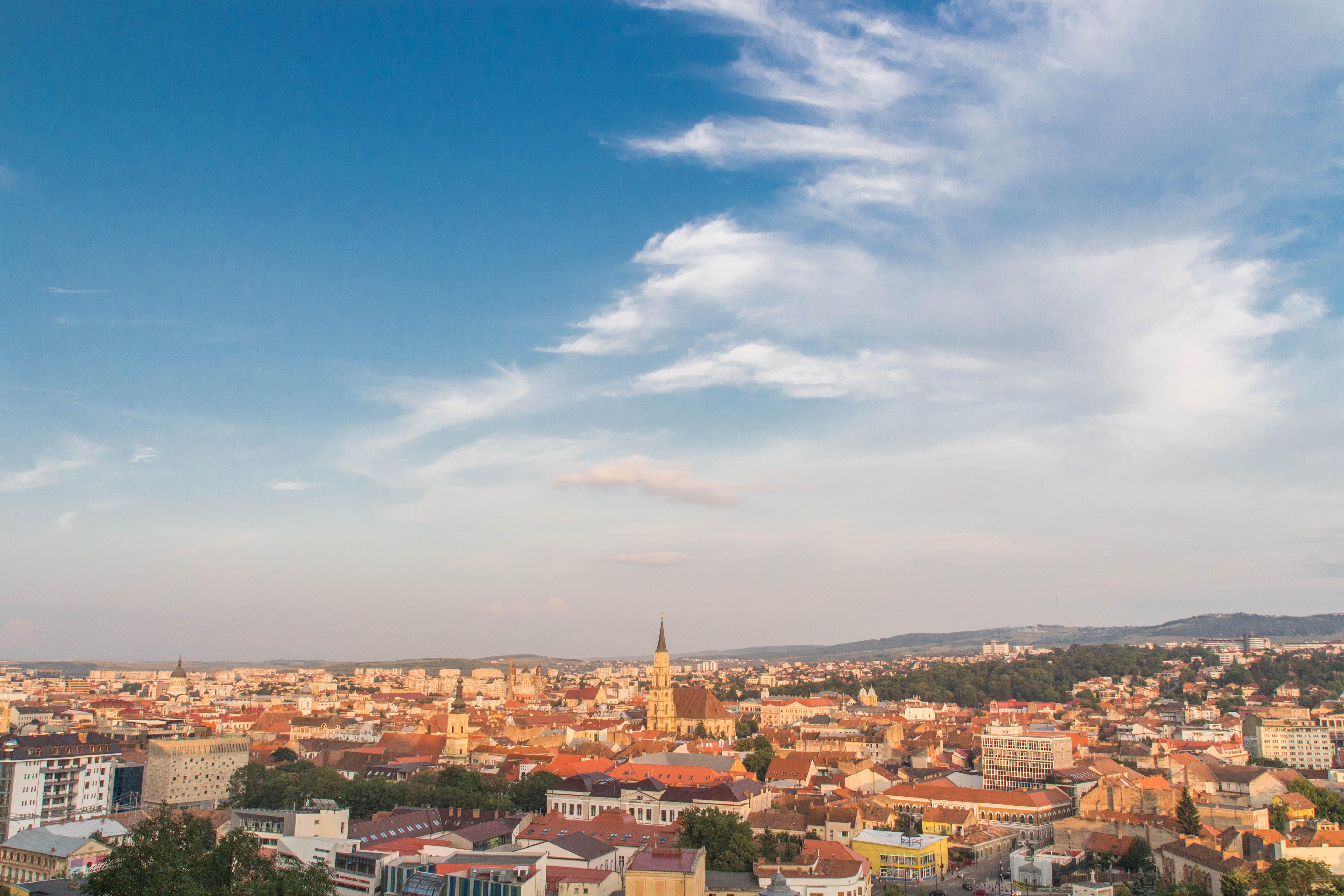 Foto d'estoc gratuïta de arquitectura, arquitectura moderna, cel, cel blau