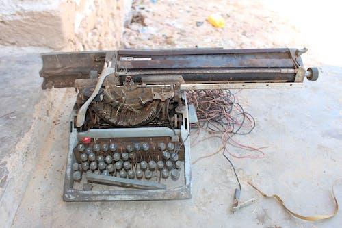 Foto profissional grátis de máquina de escrever