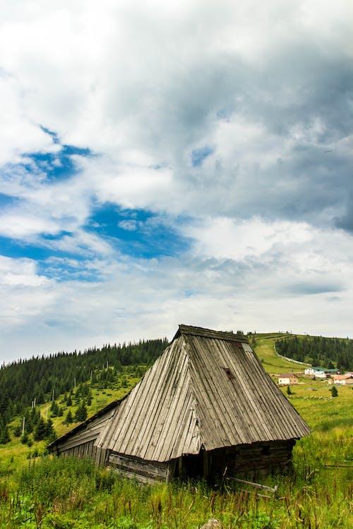 Základová fotografie zdarma na téma denní světlo, farma, hřiště, mraky